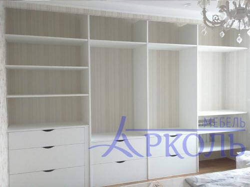 Шкаф белое стекло