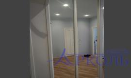 Шкаф белый зеркальный