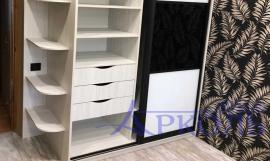 Шкаф черно белый